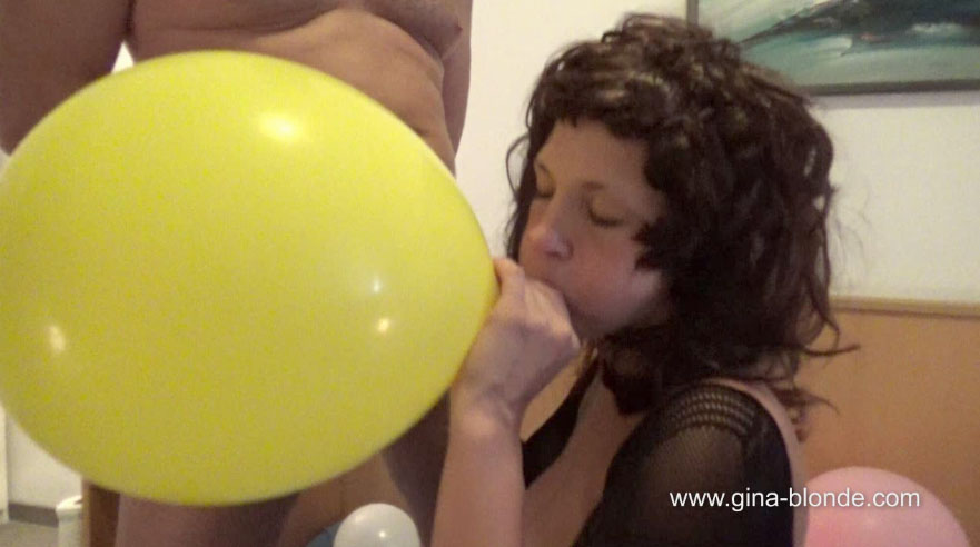 Ballon Blowjob mit Luna